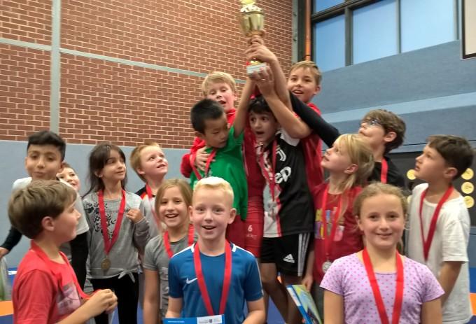Lobdeburgschule holt sich den Pokal beim Grundschulwettkampf
